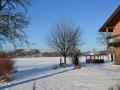 Blick auf Schloss Neubeuern im Winter